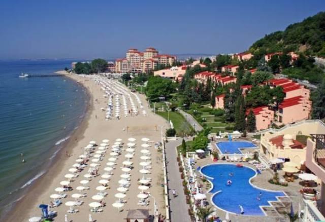 Приморско в надпревара за морски курорт номер 1 в България